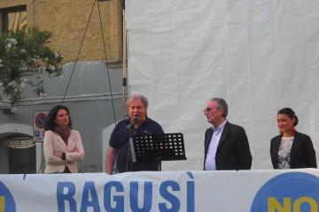 Pino Ragusi con l'onorevole Attaguile