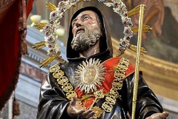 la statua di San Francesco di Paola di Milazzo