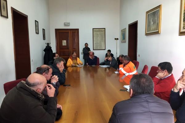 Il sindaco Formica con i rappresentanti sindacali
