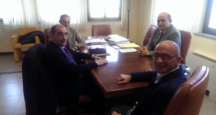 In primo piano i sindaci Roberto Materia e Giovanni Formica