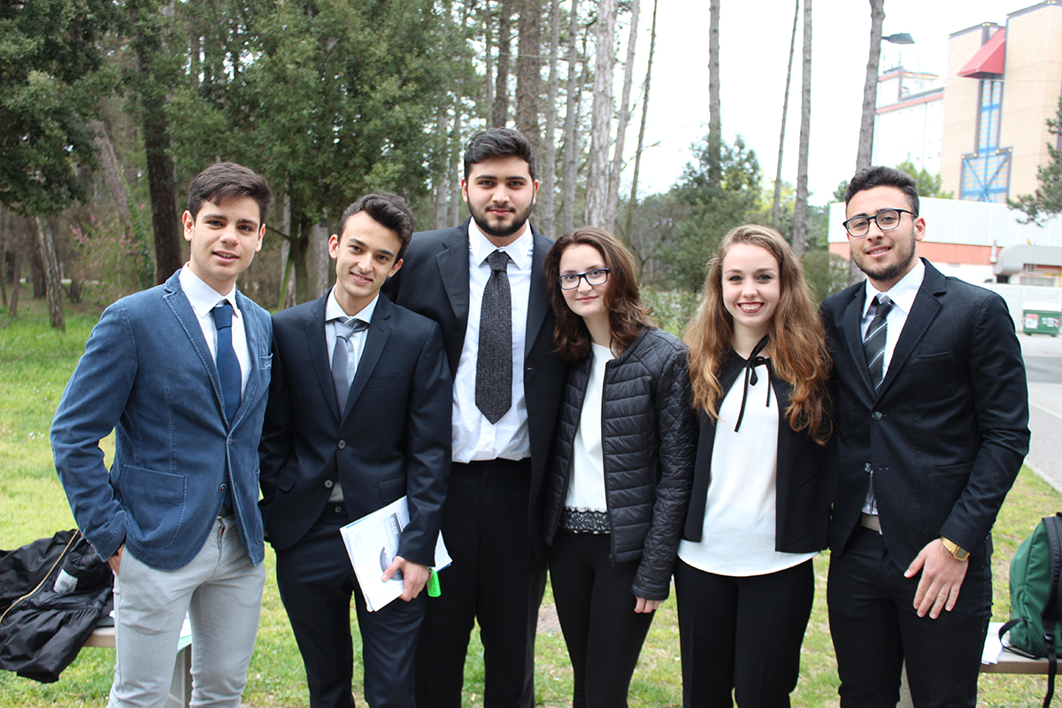Milazzo sei alunni dell 39 impallomeni al parlamento europeo for Oggi al parlamento diretta