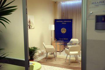 La stanza allestita dal Soroptmist nei locali dei carabinieri di Milazzo