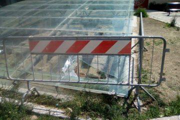La copertura danneggiata a Piazza Duomo (Foto Siciliantica Milazzo)