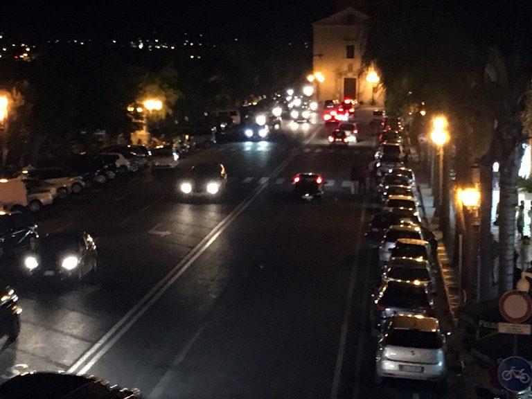 In Marina Garibaldi ritornano i parcheggi al posto della pista ciclabile (ogni tanto)