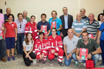 La consegna dei defibrillatori da parte della Croce rossa