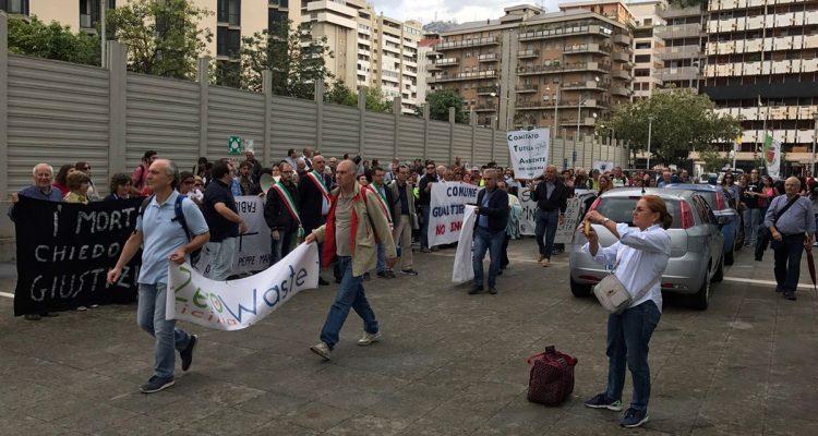 La protesta dei cittadini del Mela contro il progetto dell'Esi