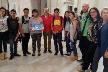 Al centro Carmelo Formica con la delegazione di studenti al castello di Milazzo