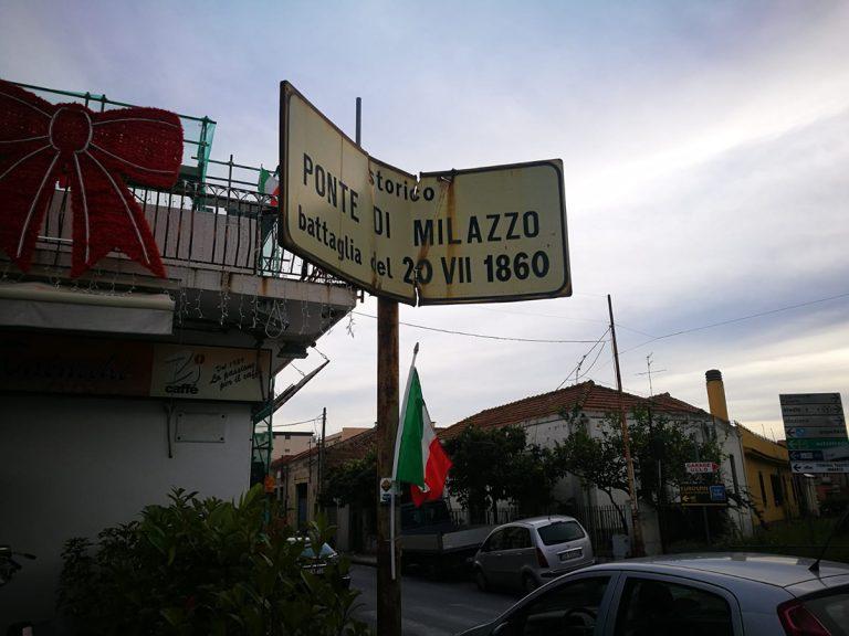 Un Clic / Milazzo, lo storico cartello che rischia di cadere